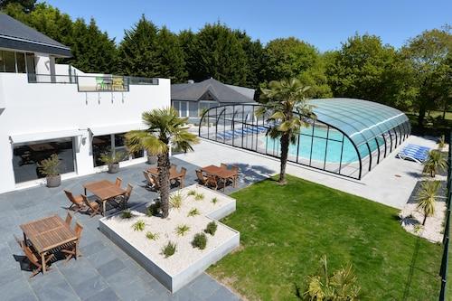 . Hotel du Golf Saint-Laurent,The Originals Relais