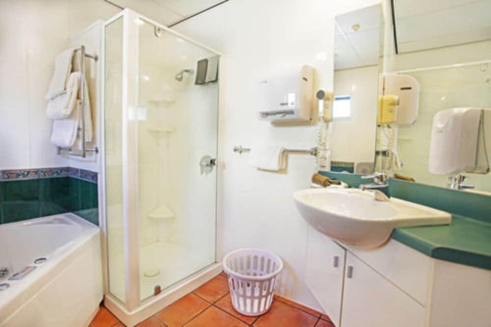 앵글씨 모텔 & 컨퍼런스 센터(Anglesea Motel and Conference Centre) Hotel Image 18 - Bathroom