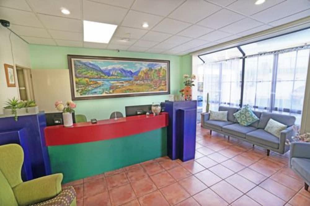 앵글씨 모텔 & 컨퍼런스 센터(Anglesea Motel and Conference Centre) Hotel Image 16 - Interior Entrance