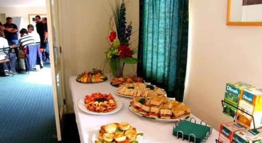 앵글씨 모텔 & 컨퍼런스 센터(Anglesea Motel and Conference Centre) Hotel Image 26 - Breakfast Area