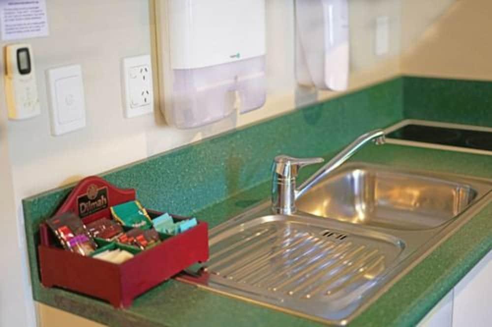 앵글씨 모텔 & 컨퍼런스 센터(Anglesea Motel and Conference Centre) Hotel Image 14 - In-Room Kitchenette