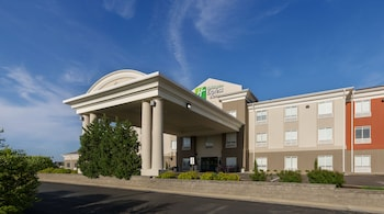 Holiday Inn Express & Suites Lawrence - Exterior  - #0