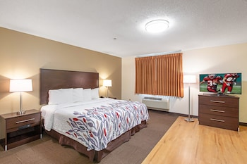 Suite, 1 King Bed, Jetted Tub (Smoke Free)
