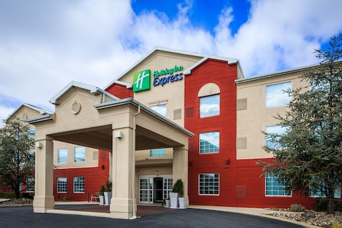 . Holiday Inn Express And Suites Reading