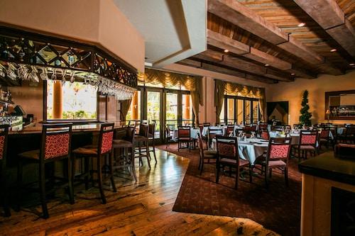 Tuscany Suites & Casino image 12