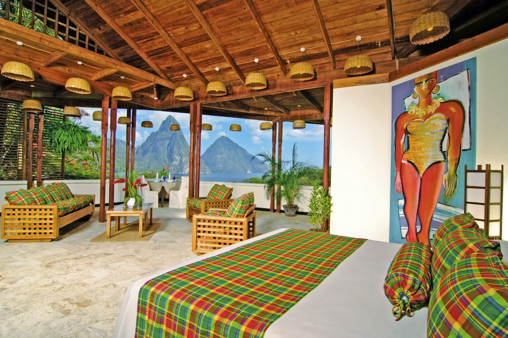 Premium Room, 1 King Bed (with Piton/Ocean View)