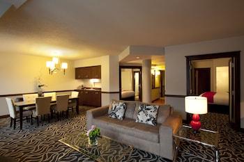 Suite, Multiple Beds, City View (Signature 2 bedrooms Suite)