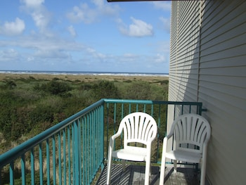 Comfort Inn And Suites - Balcony View  - #0