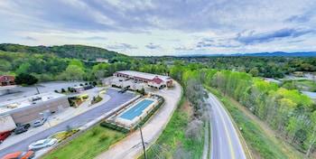 Dahlonega Mountain Inn