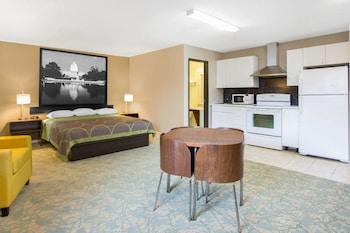 Guestroom at Super 8 by Wyndham Waldorf in Waldorf