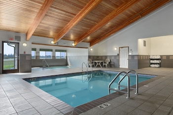 Super 8 by Wyndham St. James - Indoor Pool  - #0