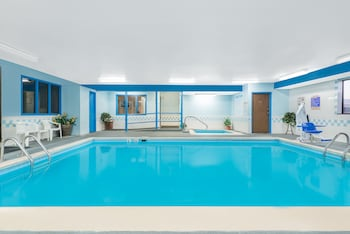 Hotel - Super 8 by Wyndham Campbellsville KY