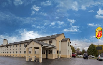 Hotel - Super 8 by Wyndham Rockford