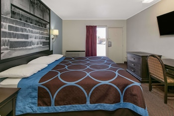 Super 8 by Wyndham Lubbock Civic Center North - Guestroom  - #0