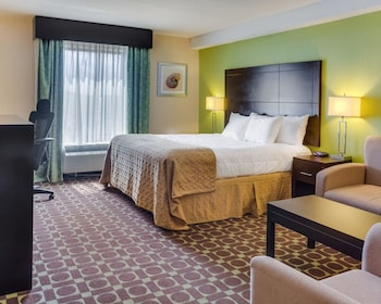 Guestroom at Clarion Inn & Suites Virginia Beach in Virginia Beach