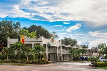 布雷登頓薩拉索塔區溫德姆速 8 飯店 Super 8 by Wyndham Bradenton Sarasota Area