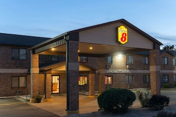 Hotel - Super 8 by Wyndham Farmington
