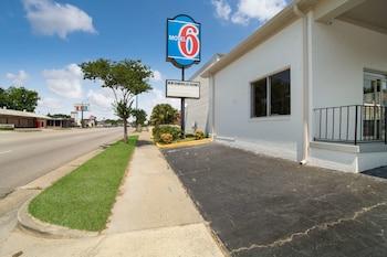 Motel 6 Orangeburg, SC