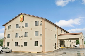 Hotel - Super 8 by Wyndham Eureka/Six Flags Nearby