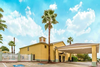 Hotel - Super 8 by Wyndham Lake Charles/Sulphur