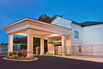 Hotel - Super 8 by Wyndham Ft. Oglethorpe GA/Chatt TN Area