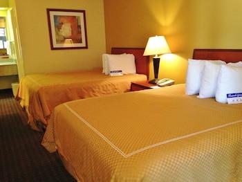 Suite, 2 Queen Beds, Non Smoking, Kitchen