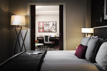 Junior Suite, 1 King Bed with Sofa bed (Executive)