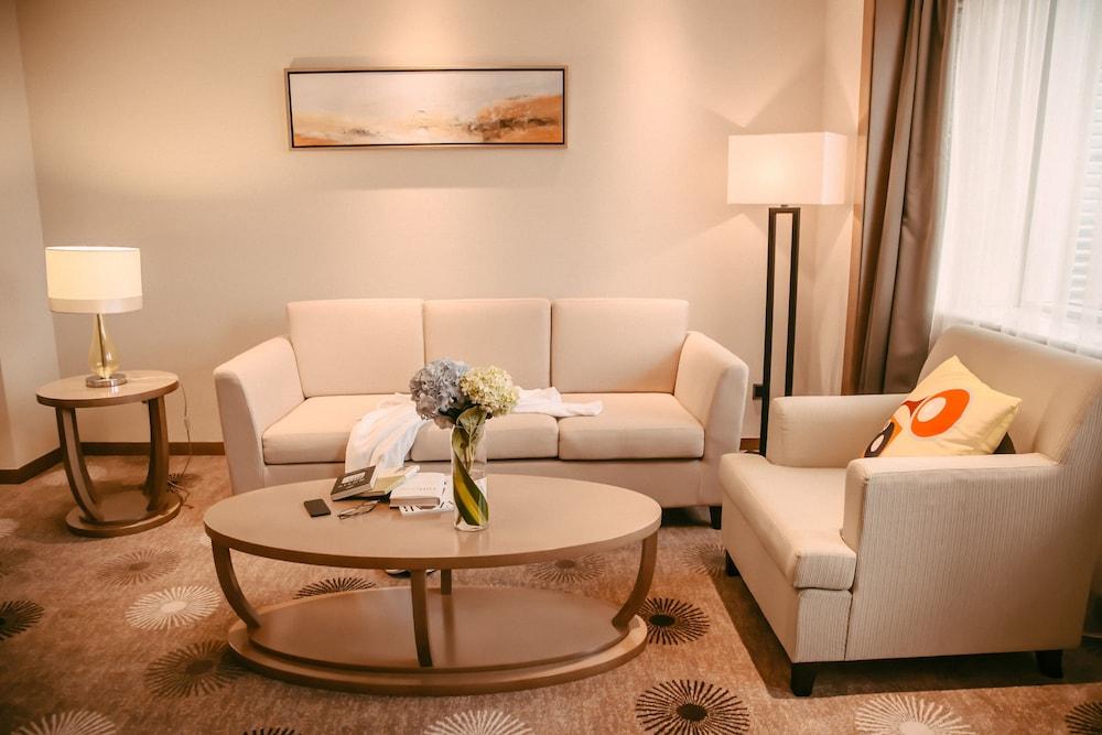 라마다 플라자 푸동(Ramada Plaza Pudong) Hotel Image 12 - Guestroom