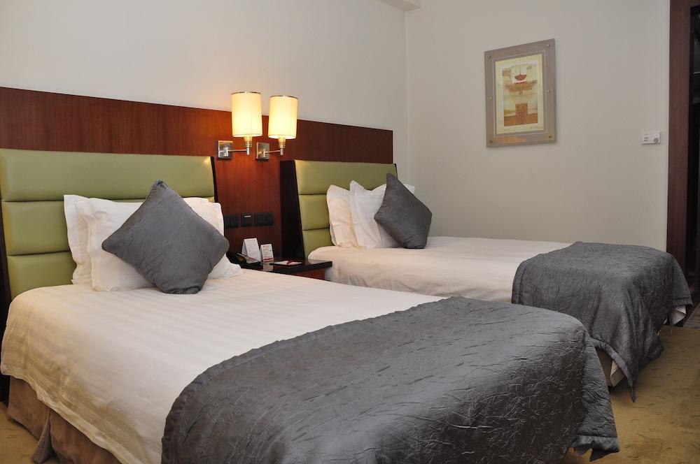 라마다 플라자 푸동(Ramada Plaza Pudong) Hotel Image 3 - Guestroom