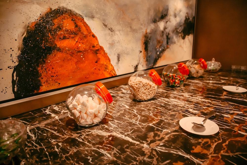 라마다 플라자 푸동(Ramada Plaza Pudong) Hotel Image 13 - Executive Lounge