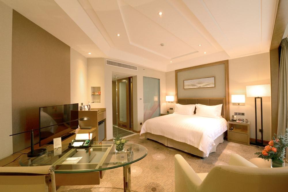 라마다 플라자 푸동(Ramada Plaza Pudong) Hotel Image 8 - Guestroom