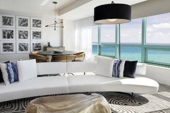 Presidential Room, 1 King Bed (Intracoastal View)