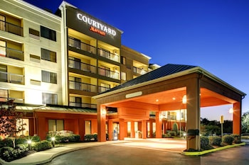 Courtyard by Marriott Richmond Chester