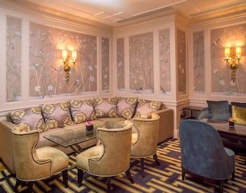 朱美拉卡爾頓塔樓飯店