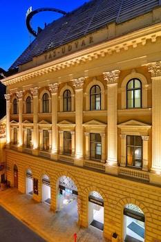 Hotel - Marriott Executive Apartments Millennium Court