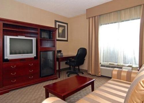 Quality Inn & Suites Bensalem, Bucks
