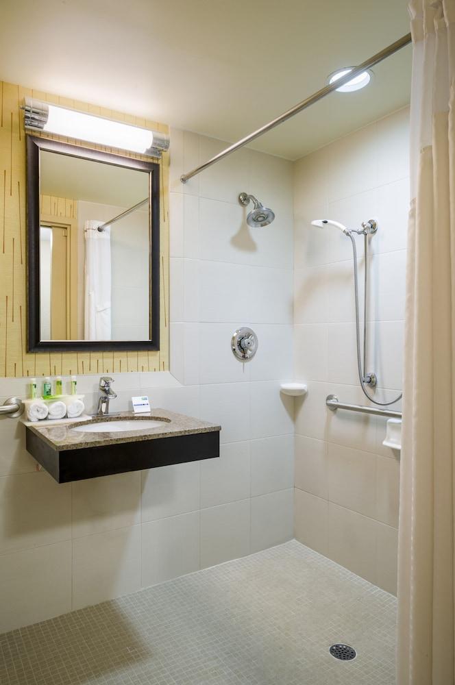 홀리데이 인 익스프레스 프레이저 - 멜번(Holiday Inn Express Frazer - Malvern) Hotel Image 15 - Bathroom