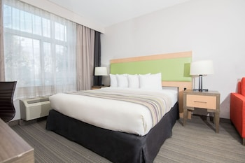 Suite, 1 King Bed, Accessible, Non Smoking (Extended Stay)
