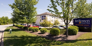 Book Crestwood Suites of Orlando-UCF Area in Orlando.