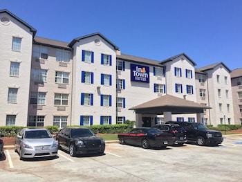 Hotel - InTown Suites Marietta