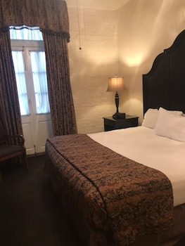 Deluxe Room, 1 King Bed, Balcony