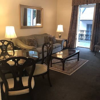 Suite, 1 Bedroom, Balcony