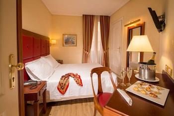 Comfort Room, 1 Queen Bed
