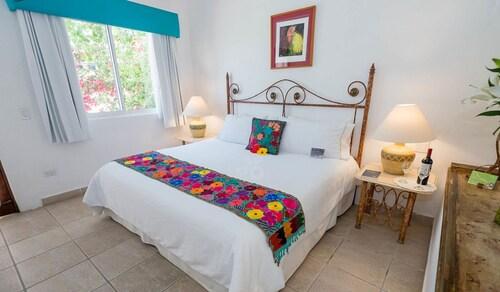 El Encanto Inn & Suites, La Paz