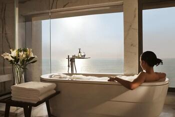 Junior Suite, 1 Bedroom, Non Smoking, Ocean View (Exec Juhu Beach)