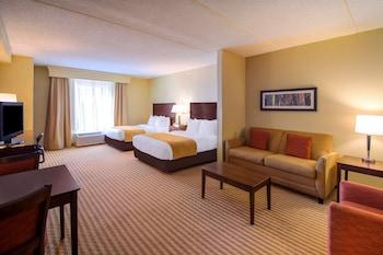 Suite, 2 Queen Beds, Accessible