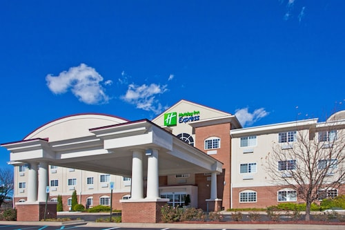 . Holiday Inn Express Hotel & Suites Charlotte