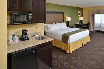 Deluxe Room, 1 King Bed, Accessible, Bathtub (Hearing)