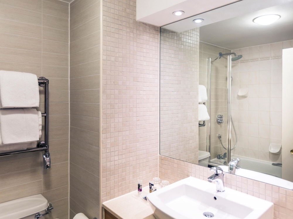 메르큐르 대번트리 코트 호텔(Mercure Daventry Court Hotel) Hotel Image 8 - Bathroom