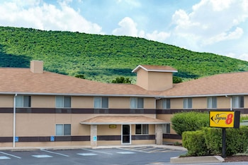 Hotel - Super 8 by Wyndham Burnham/Lewistown